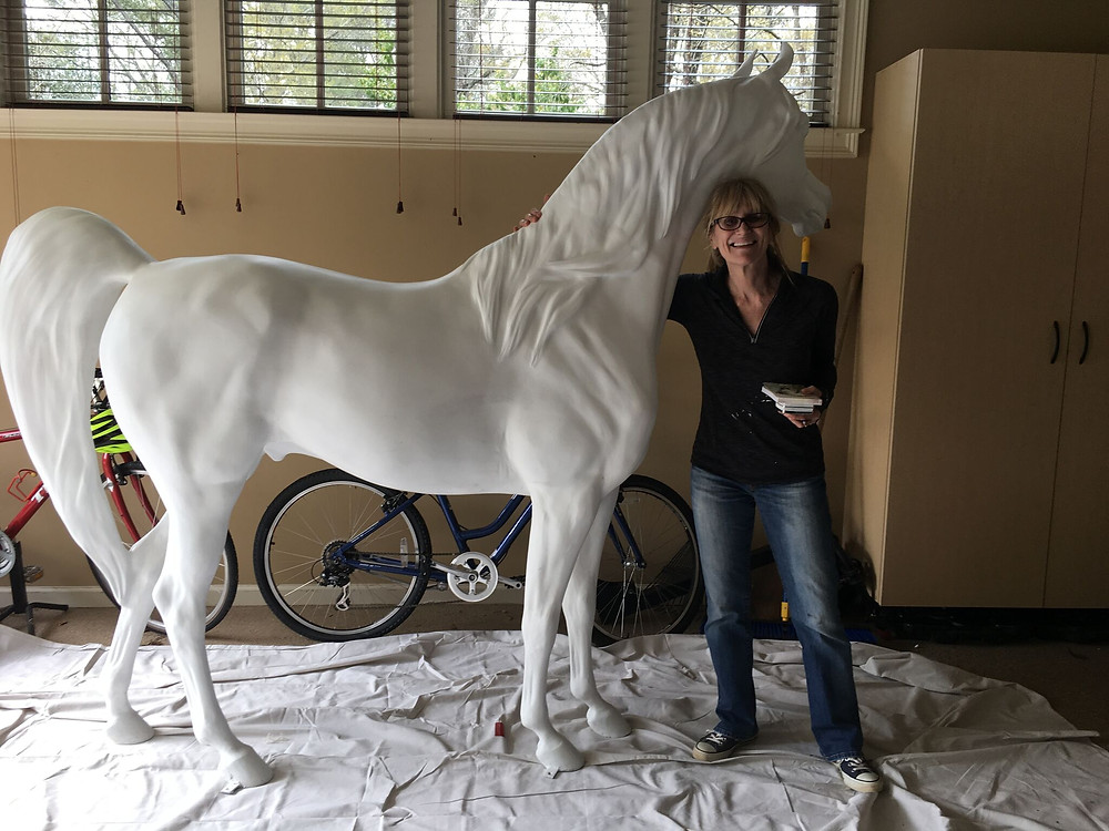 Artist Zan Economopoulos with Arabian Horse for Humanity