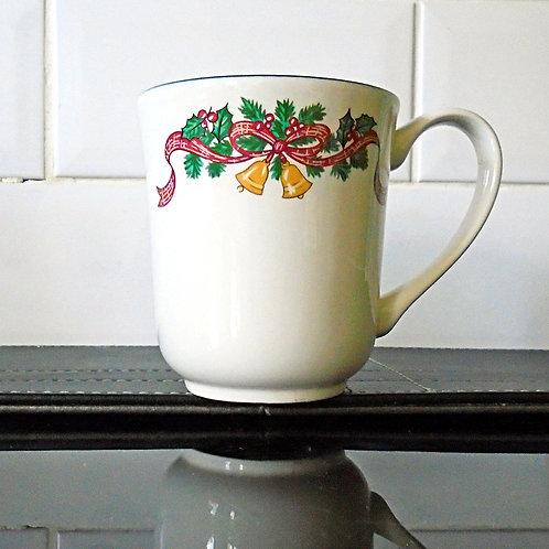 Johnson Brothers Victorian Christmas Mug
