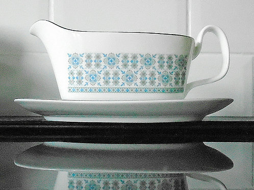 Royal Doulton Counterpoint Gravy Boat & Stand