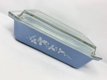 Vintage JAJ Pyrex Hawthorn Periwinkle blue Space saver Casserole Dish