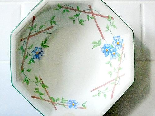 Johnson Brothers Garden Trellis Bowl / Dish