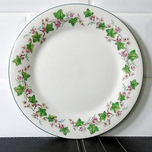 Royal Doulton Tiverton Salad / Dessert Plate