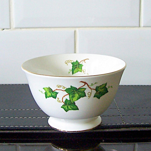 Colclough Ivy Leaf Sugar Bowl