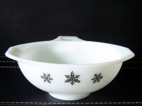 Vintage JAJ Pyrex Gaiety White Snowflake Sauce Pourer Gravy Boat