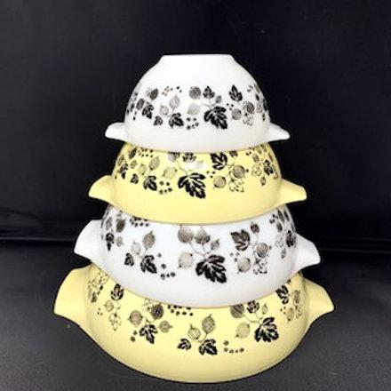 Vintage JAJ Pyrex Yellow Gooseberry Cinderella Bowl Set