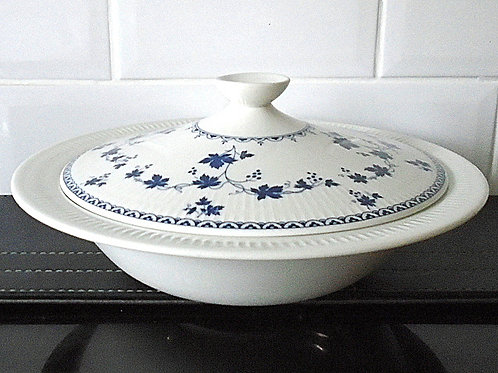 Royal Doulton Yorktown Lidded Vegetable Casserole Dish / Tureen