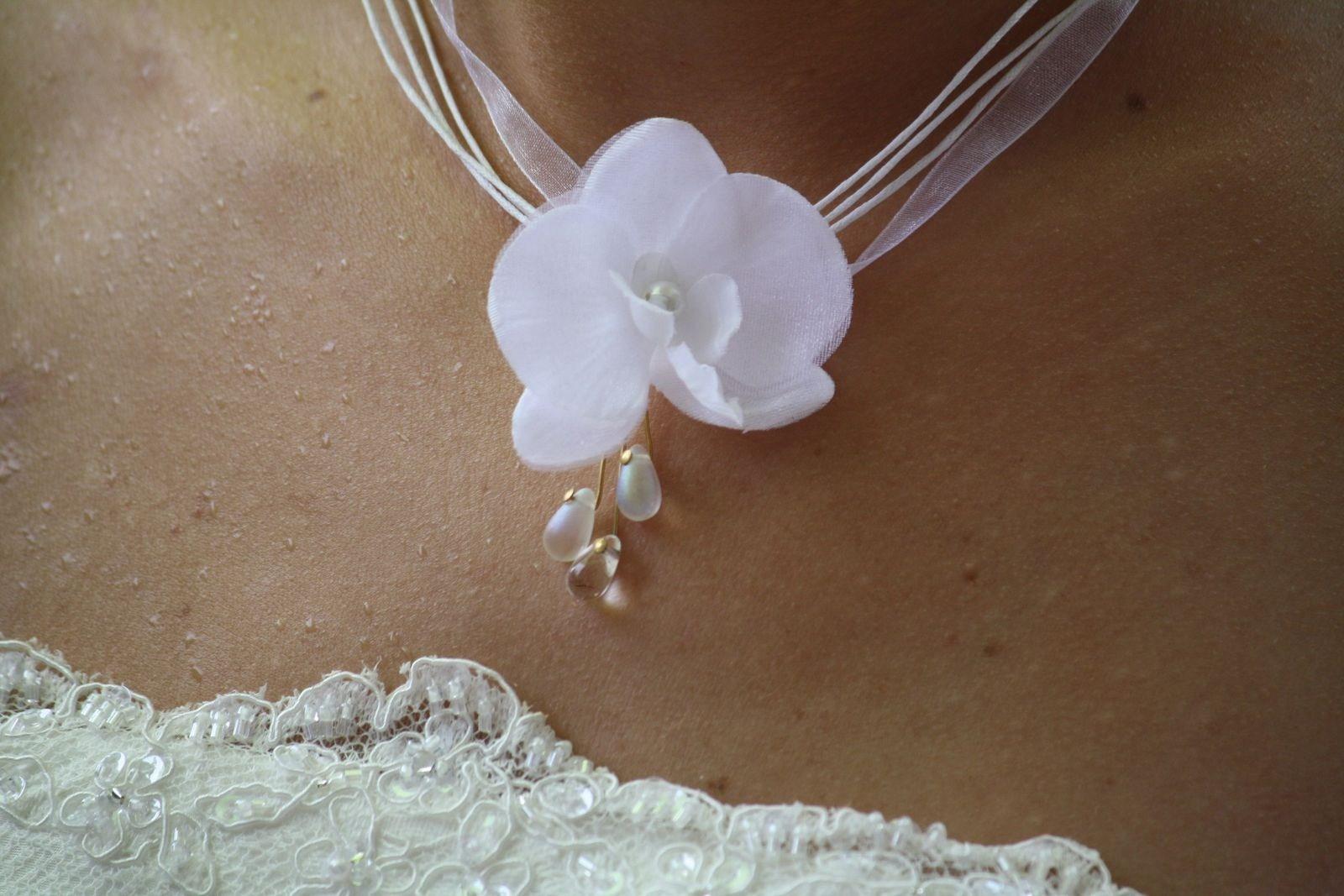 collier mariage orchidée