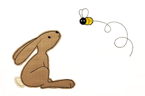 Hase mit Biene - Doodle-Stickdatei 10x10cm