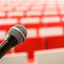 microphone-2775447__480.jpg