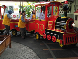 Menikmati menaiki Choo-choo Train (kereta mini) di Pepito Daycare
