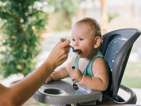 Como saber se o bebê está pronto para começar a alimentação sólida?