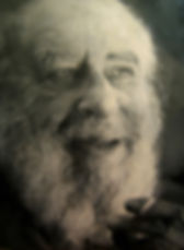 La Gestalt a été fondée par Fritz Perls, psychiatre et psychanalyste juif d'origine allemande, dans les années 50. C'est une thérapie relationnelle qui a pour origine la psychanalyse, la psychologie humaniste et s'inspire de courants philosophiques. C'est une thérapie dite relationnelle. Le thérapeute est pleinement investidans la relation, et il va au delà d'une neutralité bienveillante, avec un contact authentique et un partage de ce qu'il vit émotionnellement et corporellement au contact du client. Le corps et les émotions ont une part aussi importante que le cognitifen Gestalt thérapie.