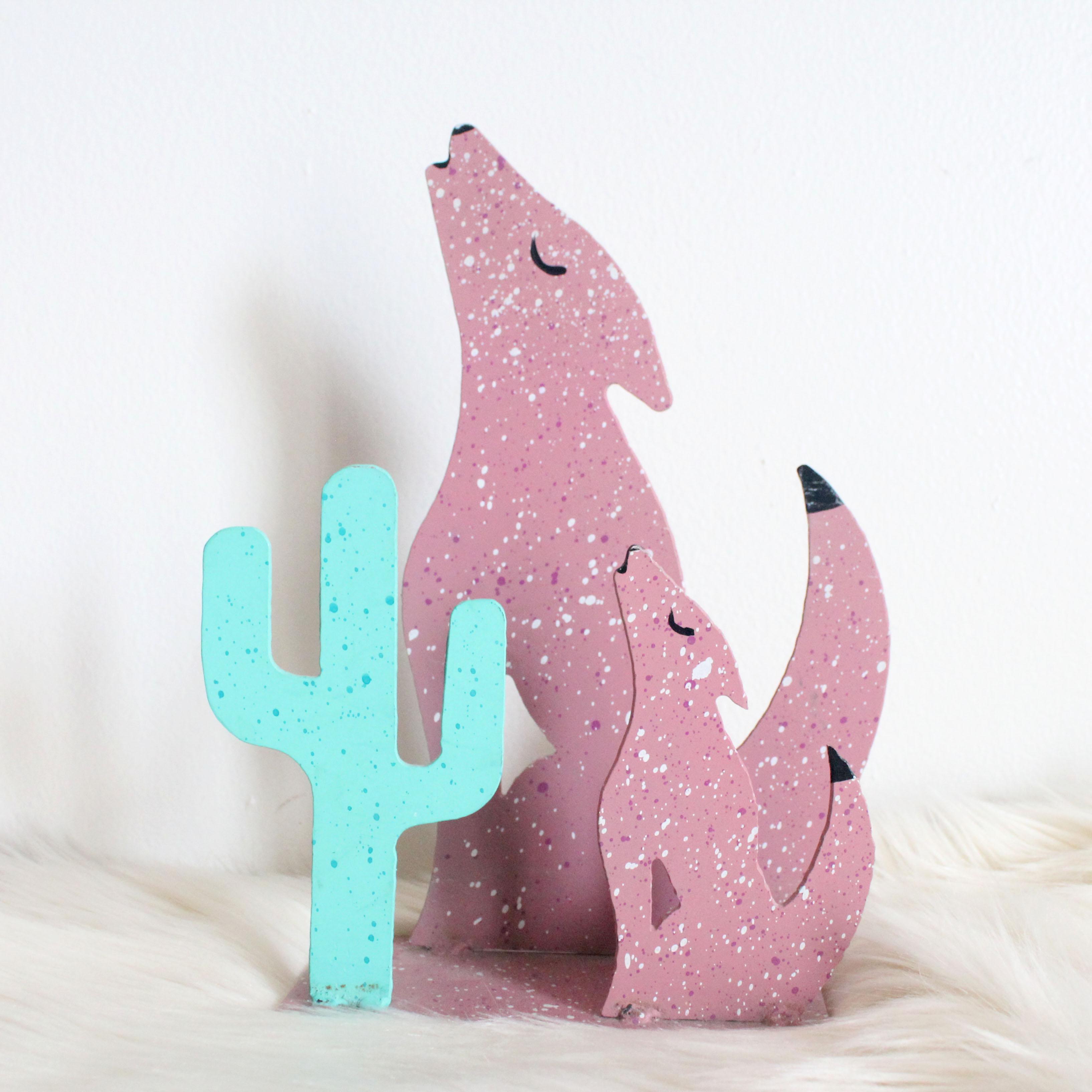 coyotes + cactus