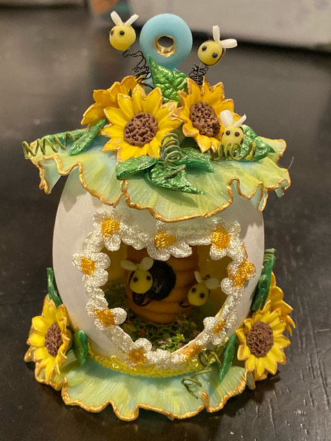 Lucy Barney Bee Sunflower Birdhouse
