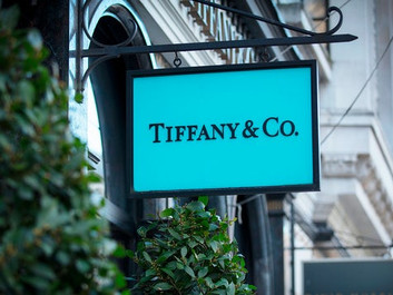 LVMH and Tiffany Renegotiating $16 Billion Deal Price