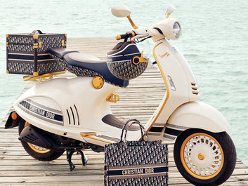 A closer look at the limited edition Vespa 946 Christian Dior