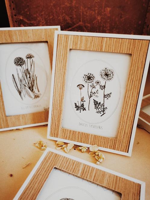Cadre en bois avec dessin fleur