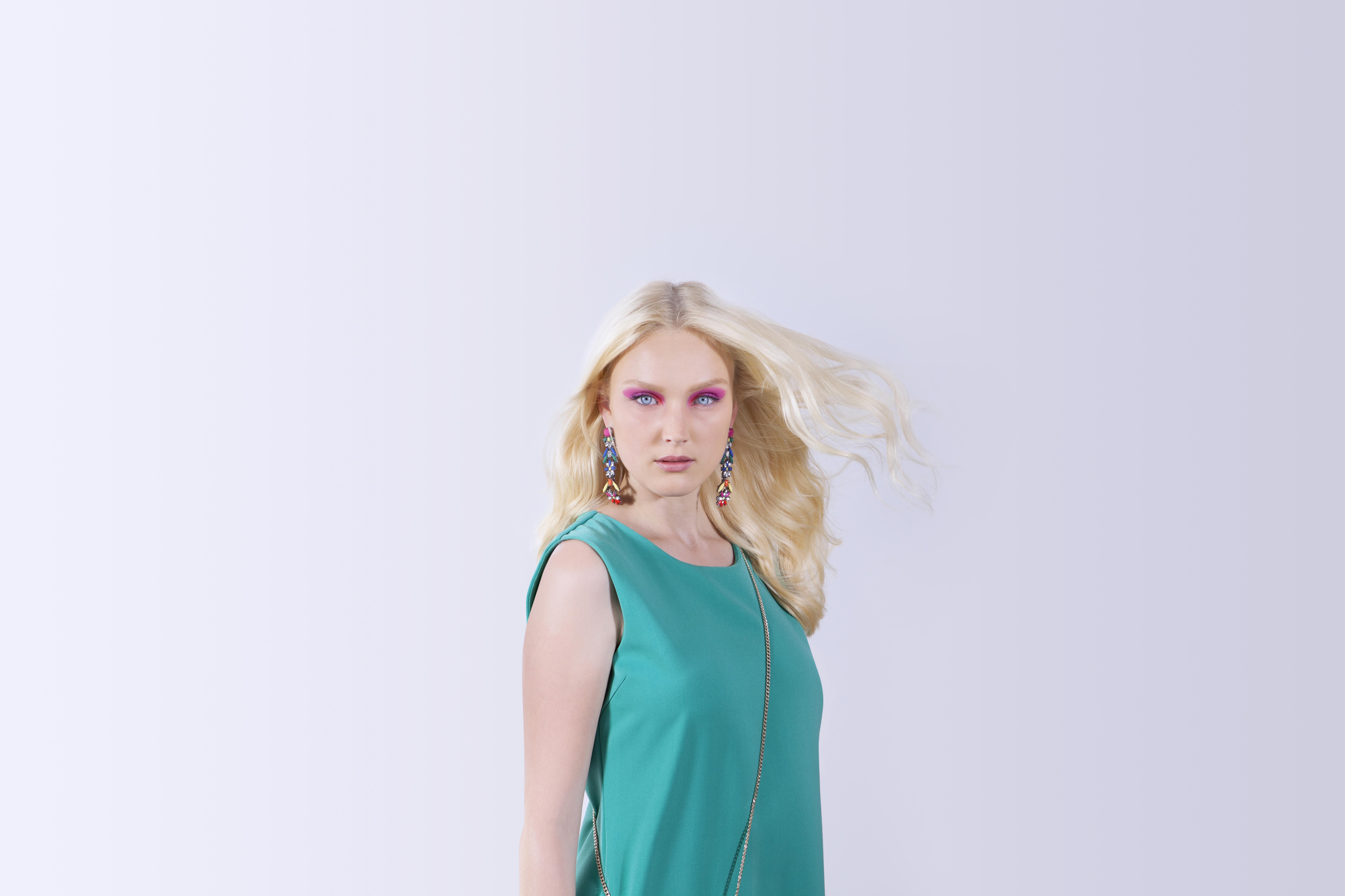 Model in Green