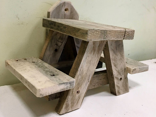 Squirrel Picnic Table {check}