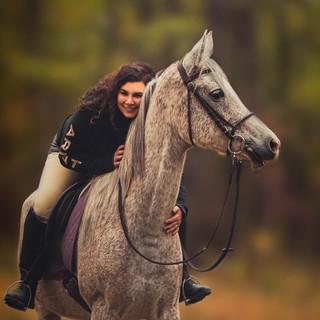 Self portrait of Chelsea Liz equestrian photogarpher