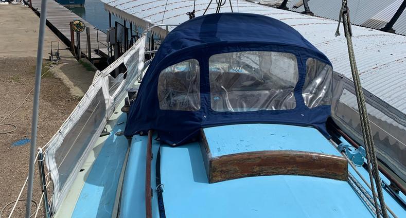 Twister 28 Sailing Boat
