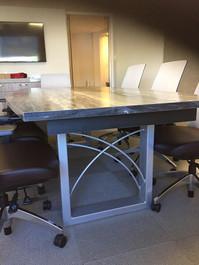 Table_salle_conférence.jpg