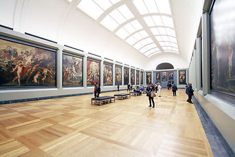 People in Museum, art museum, paintings, gallery, tourists