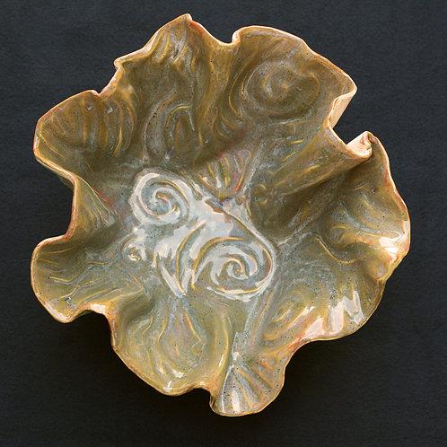 Wave platter: gold-green