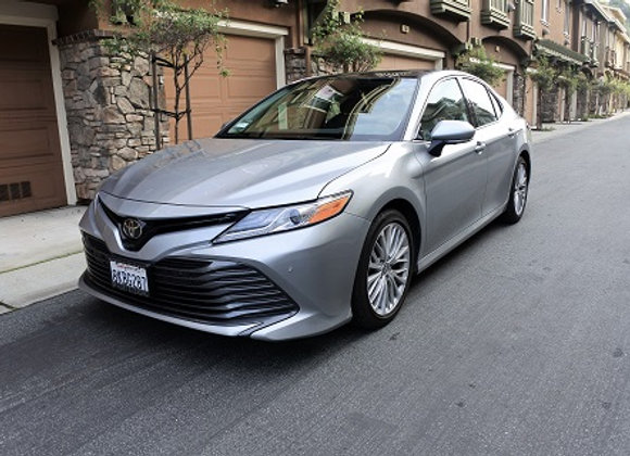 Toyota Camry XLE  (Silver)