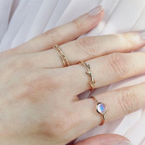 Prism Ring, Moonstone