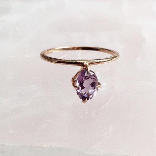 Freescia Ring, Amethyst