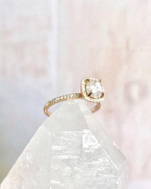 Lumi Ring, Light Gray Diamond