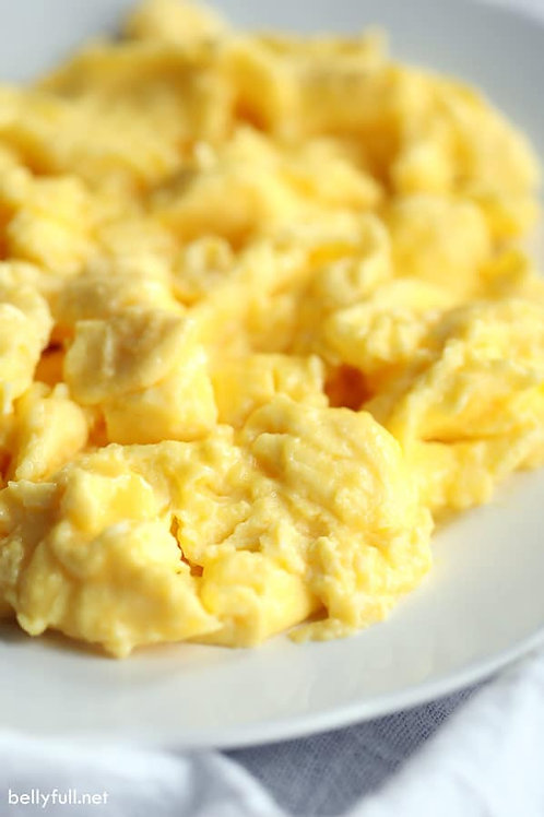 Scrambled Cheese Eggs (3-4 People)