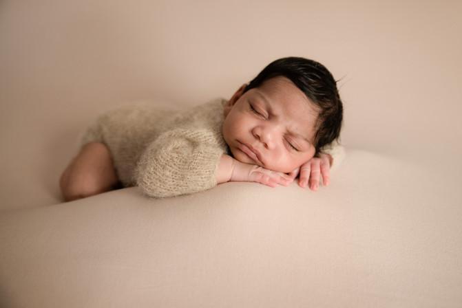 Newborn-Photographer-Melbourne-2.jpg