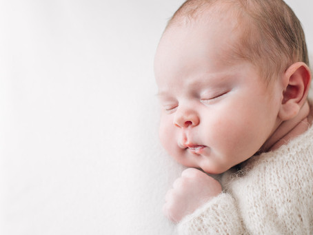 Booking A Melbourne Newborn Photographer - A guide for First Time Parents