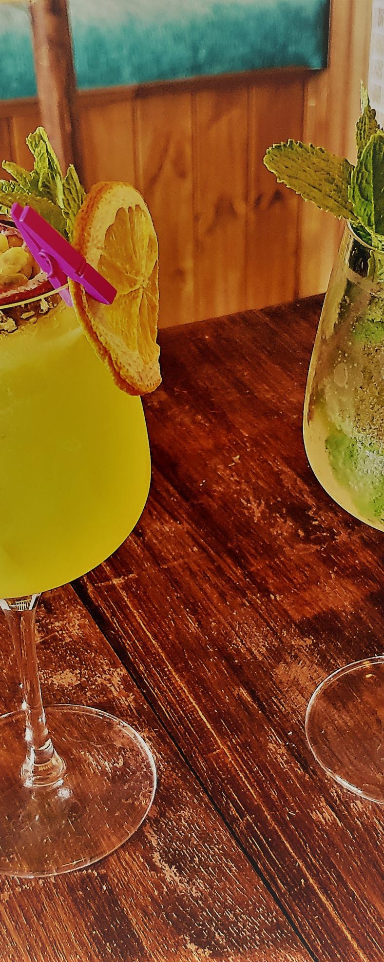 Mimosa & Hugo
