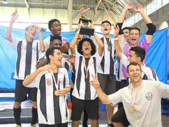 Futsal: categoria Sub-15 é campeã do Sindi Clube, Sub-17 garante o vice-campeonato.