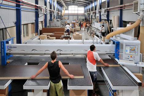 Vanzare echipamente fabrica mobila