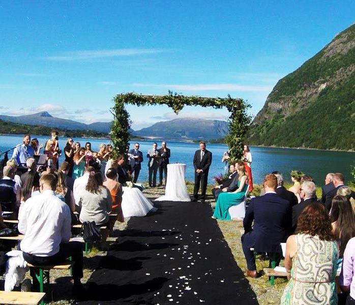 Utendørs bryllup