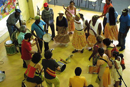 """""""Samba da Tia Aurora"""" (grupo de Samba Rural do interior de São Paulo, precursor do samba paulista, sediado em Vinhedo)"""