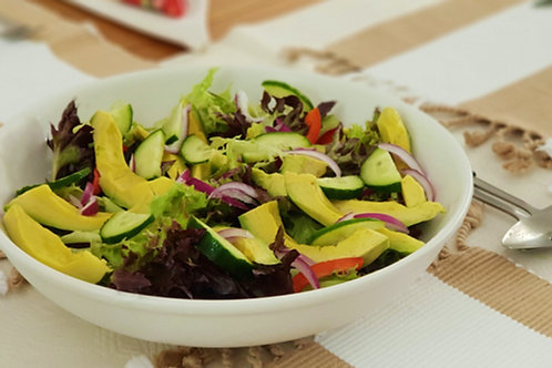 Chunky Avocado with Fresh Salad