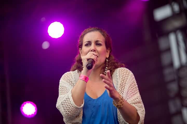 Tatiana do Carmo_Vocalista