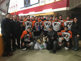 Minor Hockey Gives Back to the Community for Christmas