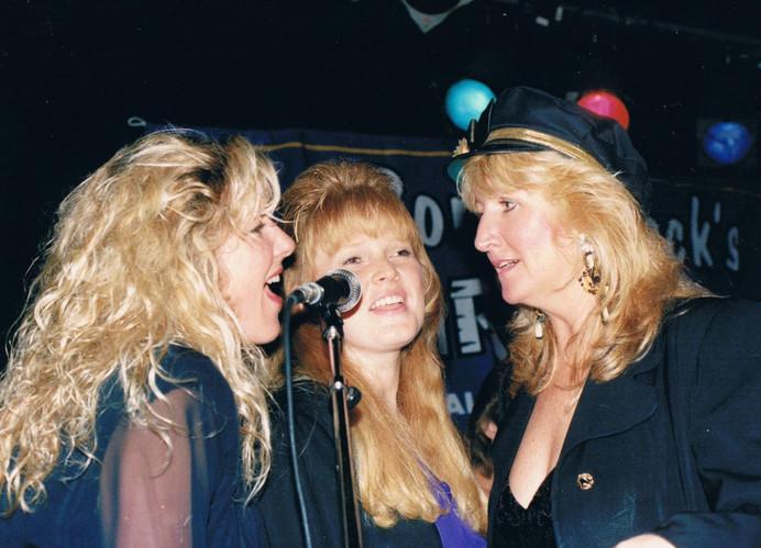 Robin Pearl, Jill Block and WHO?? performing at Ronnie Mack's Barn Dance