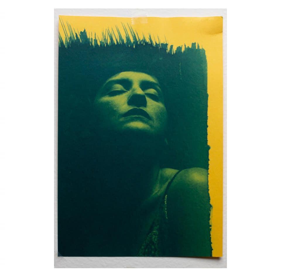 Cianótipo sobre papel amarelo de Pablo Sérvio