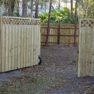 Wood Fence Style Lattice Top