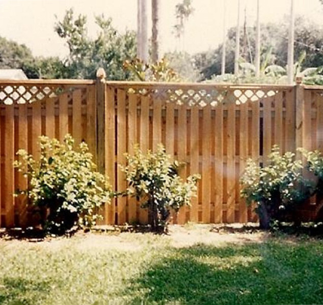 Wood Fence Style Scoop Top