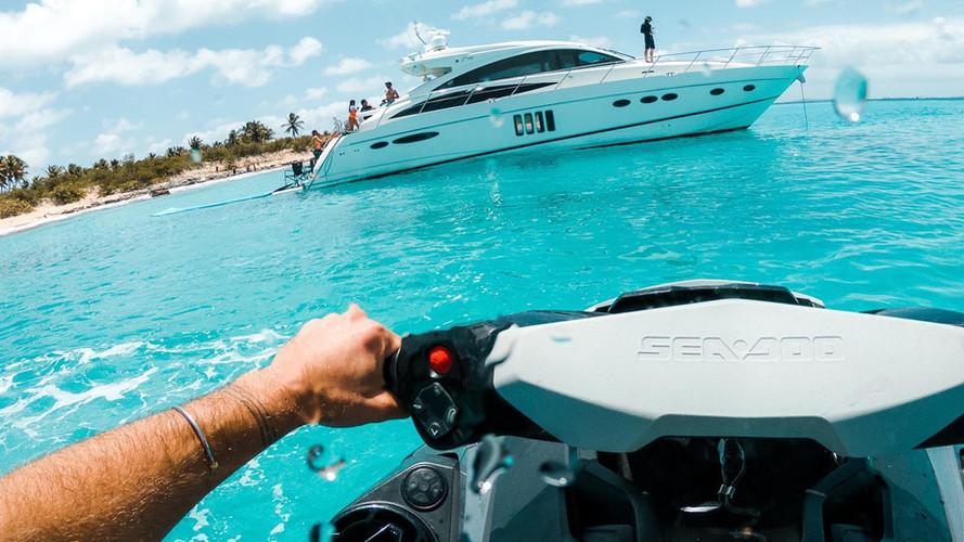Jet-ski + Yacht Charter I VENTURES