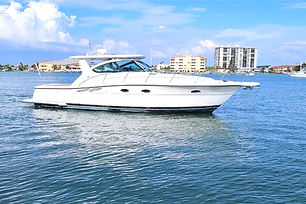 Tiara 40' Luxury Yacht Rental Puerto Rico jpg