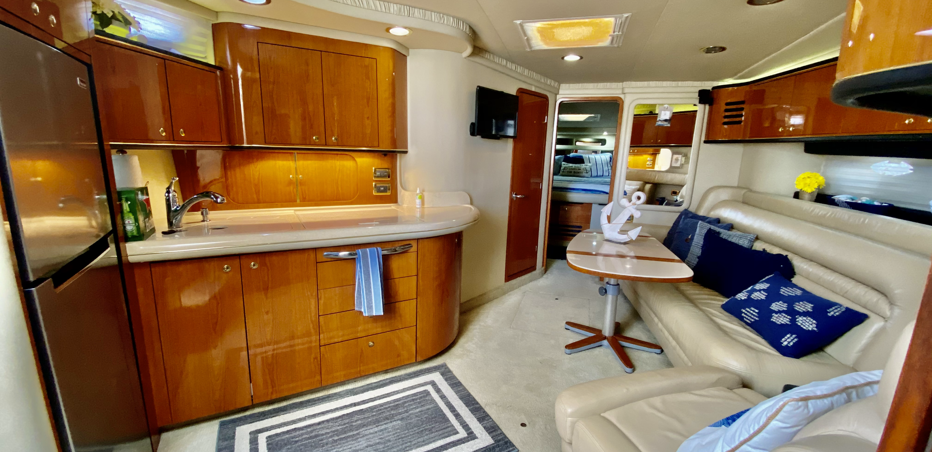 Sea Ray Interior Yacht
